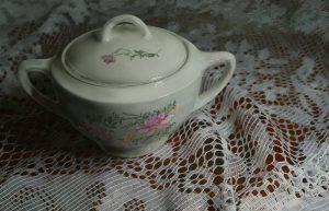 Camilla's Sugar Bowl by Vic Shelley